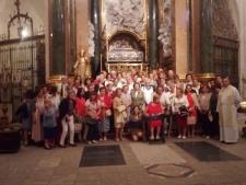 El grupo de Adoración Eucarística Perpetua peregrina a la Catedral en el Año Santo