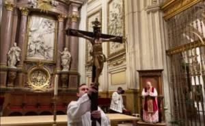 Monseñor José María Yanguas recuerda que nos disponemos «a vivir los días más santos de nuestro calendario litúrgico»
