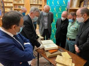 Los libros sustraídos del Seminario de Cuenca regresan de nuevo a su biblioteca tras más de 15 años de litigio.