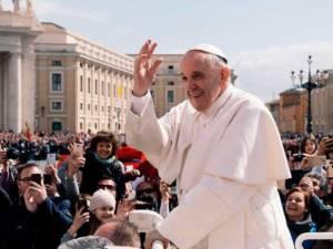 El Sr. Obispo pide a los fieles de Cuenca que recen por la pronta recuperación del Papa Francisco tras su operación